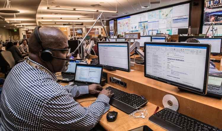 Dlaczego wirtualna centrala VoIP jest potrzebna w każdej małej i średniej firmie?